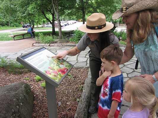 Pollinator garden dedication marks first of DLIA talk series at Sugarlands