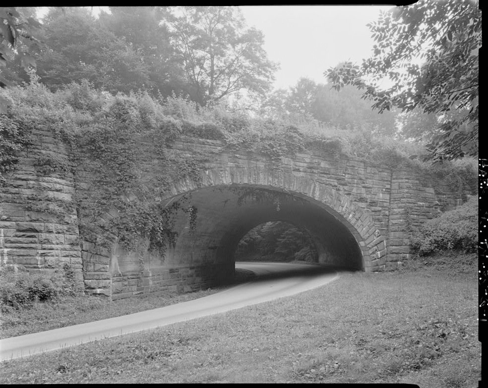 The Loop Over Bridge located on Newfound Gap Road. Photo courtesy of the Library of Congress
